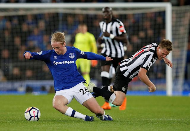 "Soccer Football - Premier League - Everton v Newcastle United - Goodison Park, Liverpool, Britain - April 23, 2018 Everton's Tom Davies in action with Newcastle United's Matt Ritchie REUTERS/Andrew Yates EDITORIAL USE ONLY. No use with unauthorized audio, video, data, fixture lists, club/league logos or ""live"" services. Online in-match use limited to 75 images, no video emulation. No use in betting, games or single club/league/player publications. Please contact your account representative for further details."