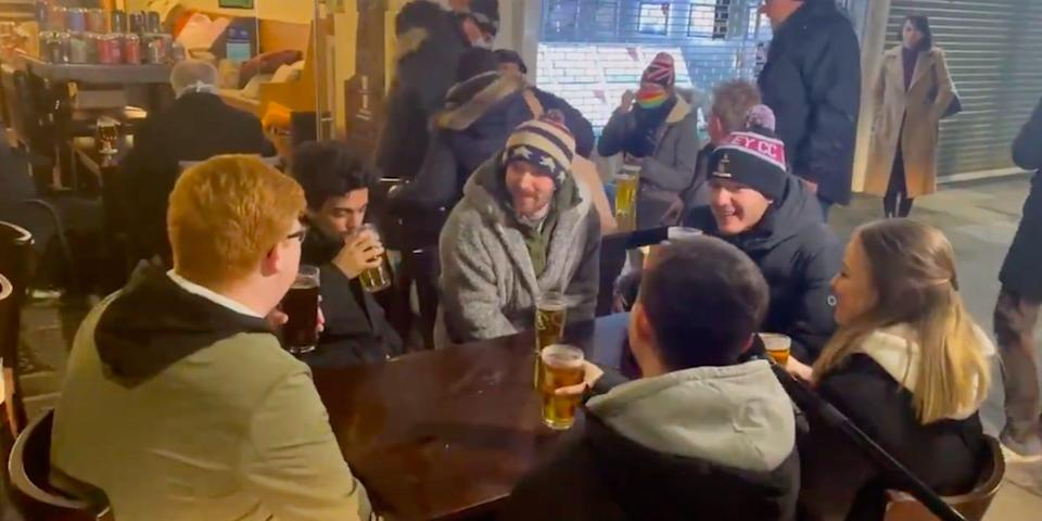 england pubs reopen