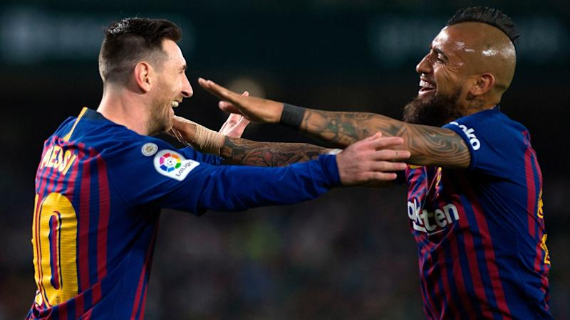 Messi sends heartwarming goodbye to Vidal as midfielder plans to leave Barcelona for Inter