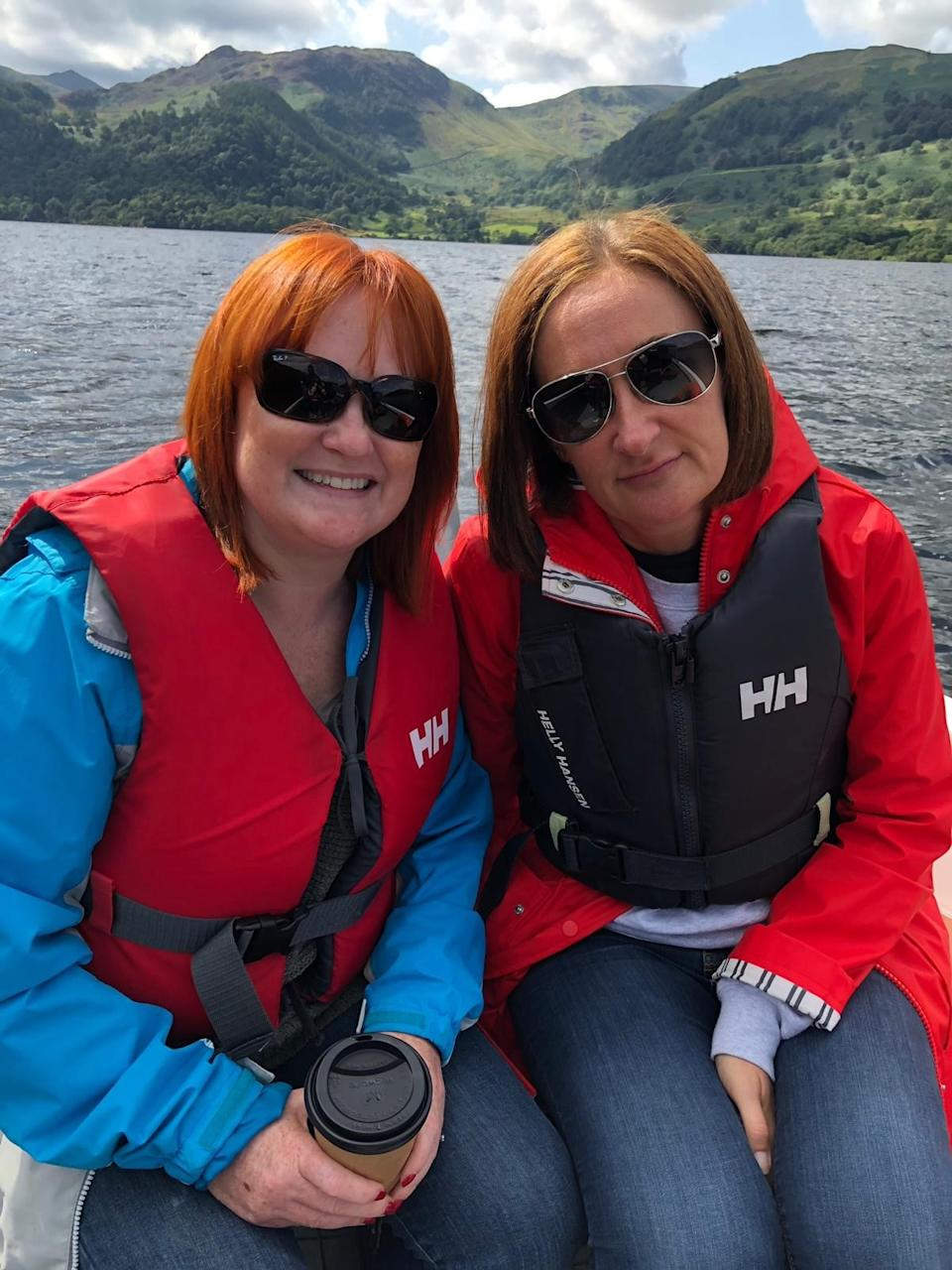 Helen Hughes' sister (right) is also an end-of-life care volunteer. Both sisters were inspired to volunteer following the wonderful care their father received after suffering a stroke. (Supplied)