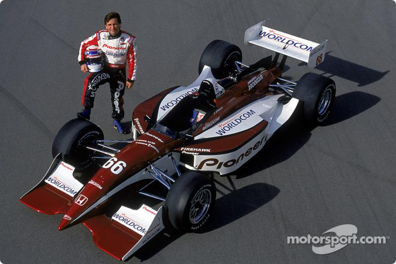 """The return to Indy cars in 2001 wasn't an immediate success but Alex was inching closer to the sharp end of the grid throughout the season. <span class=""""copyright"""">Championship Auto Racing Teams</span>"""