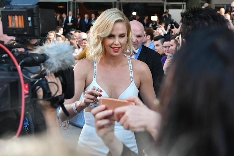 """Atomic Blonde"": Charlize Theron feiert am Potsdamer Platz"