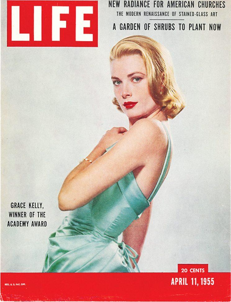 Grace Kelly wore a similar style to Cotillard's on the cover of 'Life' magazine in 1955. (Photo: Life)