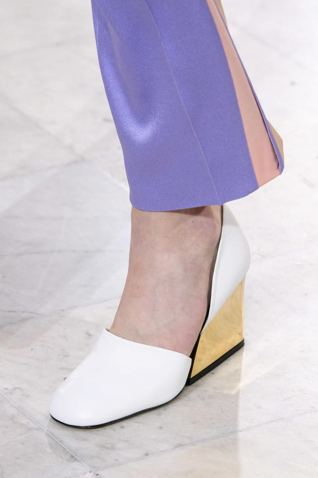 <p><i>Gold-heeled white shoes from the SS18 Peter Pilotto collection. (Photo: ImaxTree) </i></p>