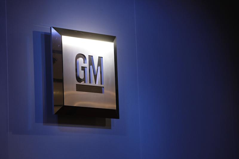 GM puts 2 engineers on paid leave in recall case