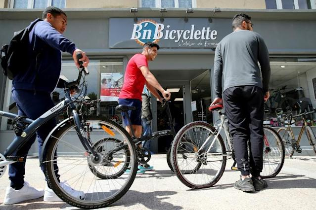 Paris' dense city centre still poses problems for cyclists while hurdles such as a powerful car lobby and insufficient bike parking remain (AFP Photo/FRANCOIS NASCIMBENI)