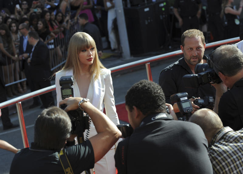 Taylor Swift arrives at the MTV Video Music Awards on Thursday, Sept. 6, 2012, in Los Angeles. (Photo by Jordan Strauss/Invision/AP)
