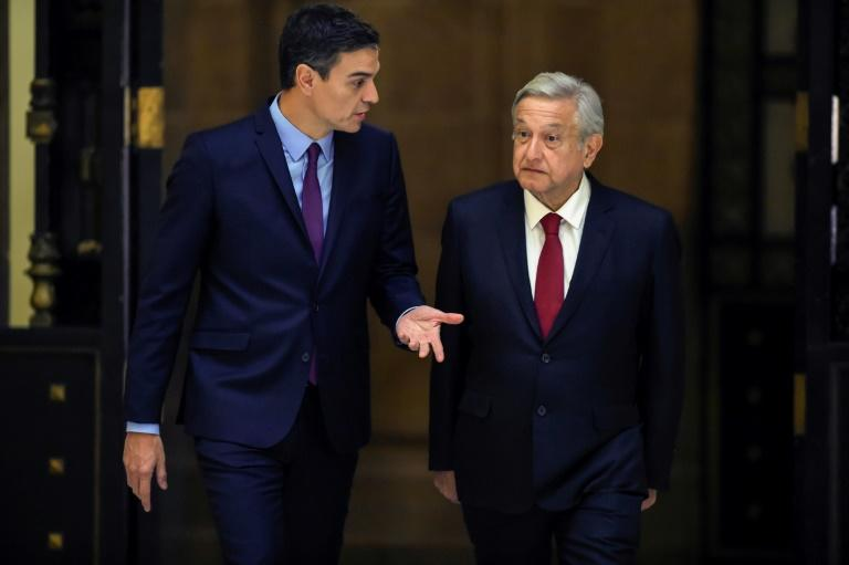 "Mexico's President Andres Manuel Lopez Obrador (R) and Spain's Prime Minister Pedro Sanchez, in a file image. The Mexican president says he has sent letters to Spanish King Felipe VI and Pope Francis urging them to apologize for the ""abuses"" of colonialism and the conquest"