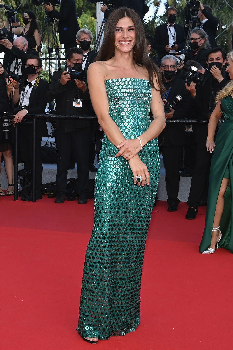 <p>The model was a veritable red carpet mermaid in her shimmering paillette-covered gown. </p>
