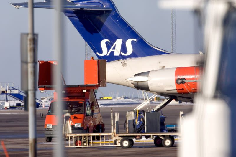 SAS cutting capacity after weathers coronavirus in February