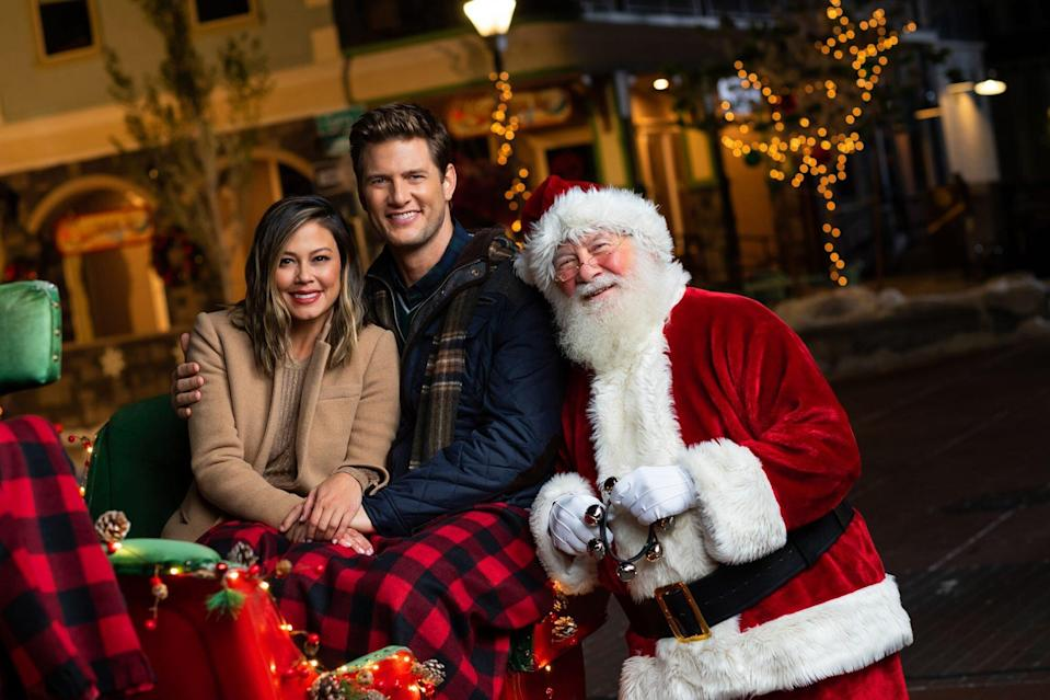 Vanessa Lachey Embraces the Holiday Spirit in First Look at Once Upon a Main Street