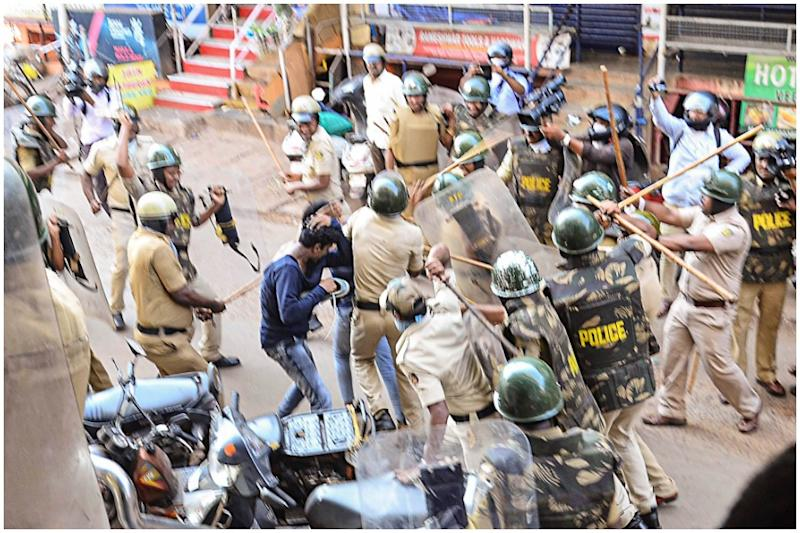 K'taka HC Grants Bail to Mangaluru CAA Protesters, Raps State for 'Attempt to Cover up Police Excesses'