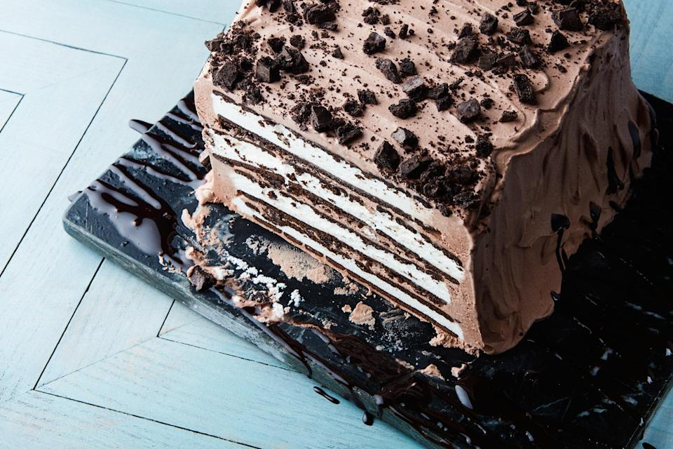 "This pretty ice box cake comes together easily, thanks to prepared ice cream sandwiches, which also give it a stunning, retro look. <a href=""https://www.epicurious.com/recipes/food/views/mint-chocolate-ice-cream-sandwich-cake?mbid=synd_yahoo_rss"" rel=""nofollow noopener"" target=""_blank"" data-ylk=""slk:See recipe."" class=""link rapid-noclick-resp"">See recipe.</a>"