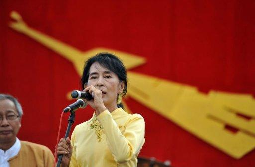 Aung San Suu Kyi will make her first visit abroad to Oslo in June
