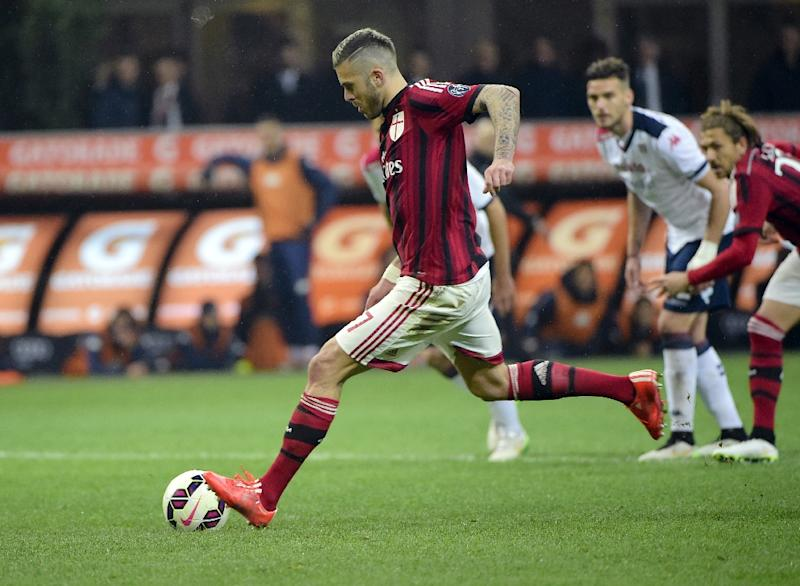 81ee8f1c9 Menez at the double as Milan beat Cagliari