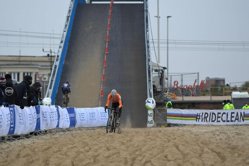 OOSTENDE BELGIUM JANUARY 31 Mathieu Van Der Poel of The Netherlands Bridge during the 72nd UCI CycloCross World Championships Oostende 2021 Men Elite UCICX CXWorldCup Ostend2021 CX on January 31 2021 in Oostende Belgium Photo by Luc ClaessenGetty Images
