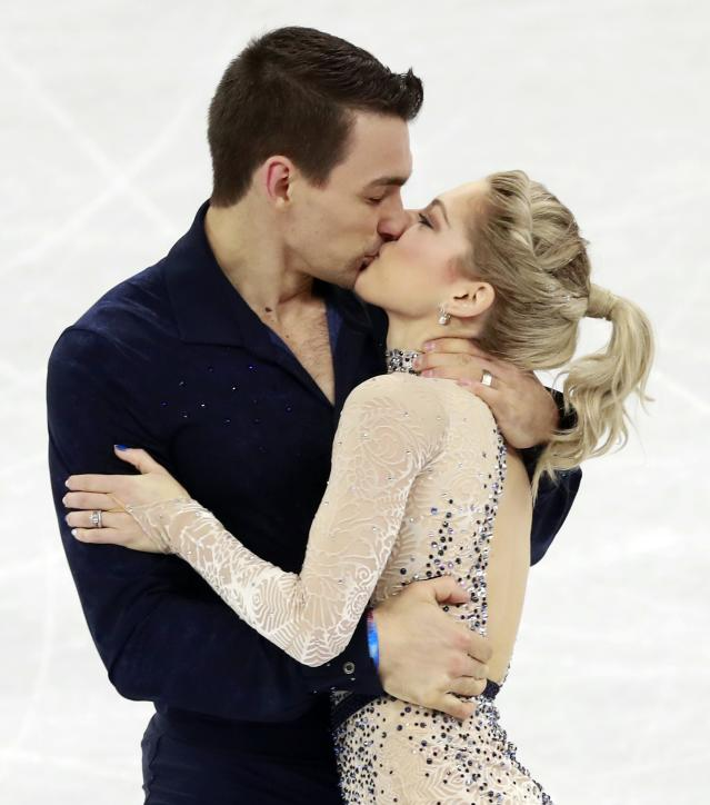 Gangneung (Korea, Republic Of), 14/02/2018.- Alexa Scimeca Knierim & Chris Knierim of the USA react after the Pair Short Program in the Figure Skating competition at the Gangneung Ice Arena during the PyeongChang 2018 Olympic Games, South Korea, 14 February 2018. (Corea del Sur, Estados Unidos) EFE/EPA/HOW HWEE YOUNG