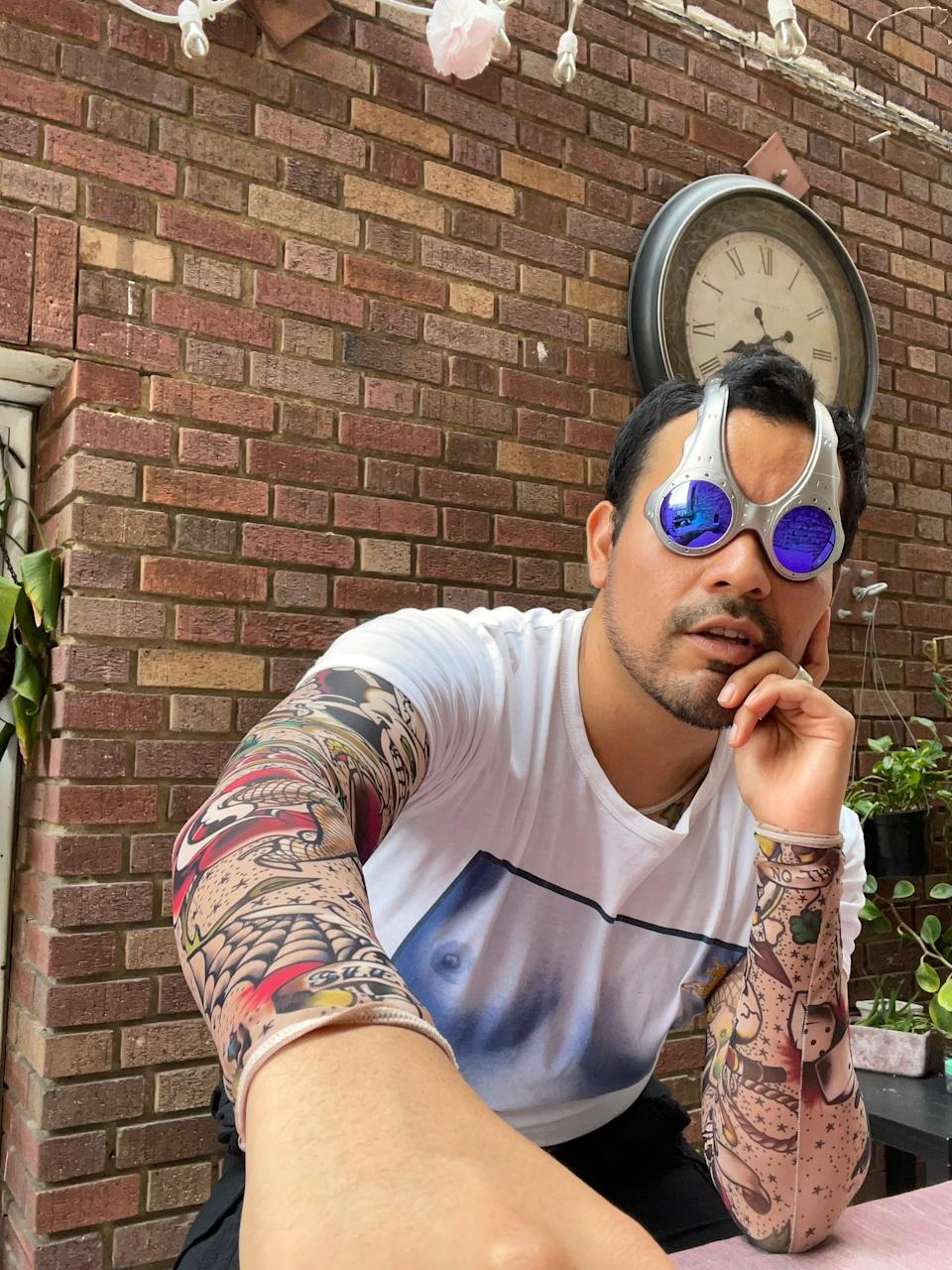 Johnny Valencia of @pechuga_vintage wears an original pair of Oakley's OVERTHETOPS that he bought on eBay.