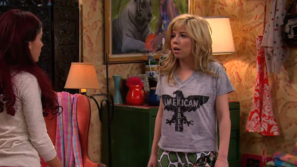 "Cat Valentine (Ariana Grande) and Sam (Jennette McCurdy) in the ""Sam & Cat"" episode, ""BabysitterWar."""
