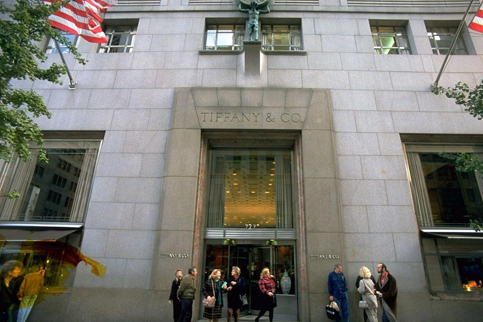 <p>Trey proposed to Charlotte in front of Tiffany's in season three. However, a fake window was used because it wouldn't allow the real store to be filmed due to security reasons. </p>