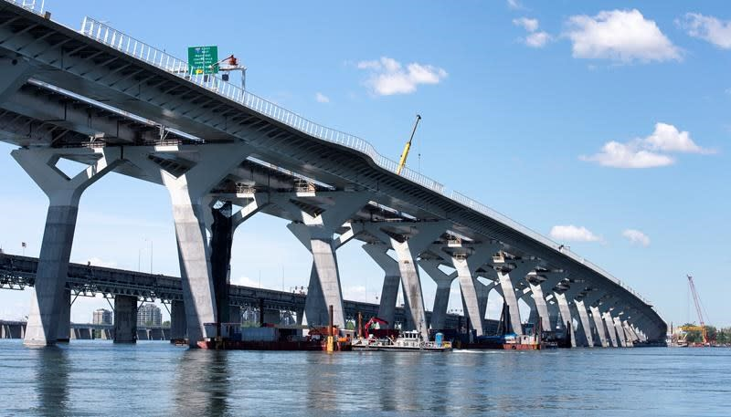 Montreal's costly new Champlain Bridge opens to northbound traffic