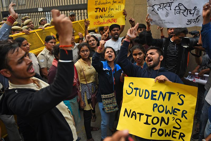 ABVP Students from JNU hold placards and shout slogans during a protest against the Hostel fee hike, in front of the UGC Office, at ITO on November 13, 2019 in New Delhi, India. (Photo: Hindustan Times via Getty Images)