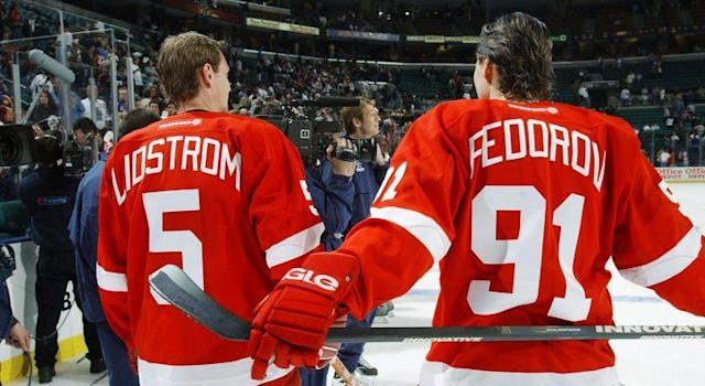 "Nicklas Lidstrom and Sergei Fedorov were both taken by the <a class=""link rapid-noclick-resp"" href=""/nhl/teams/det/"" data-ylk=""slk:Detroit Red Wings"">Detroit Red Wings</a> in the 1989 NHL draft. (Dave Sandford/Getty)"