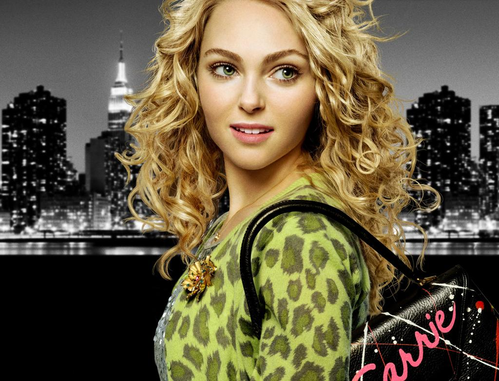 "AnnaSophia Robb as Carrie Bradshaw in ""The Carrie Diaries."""
