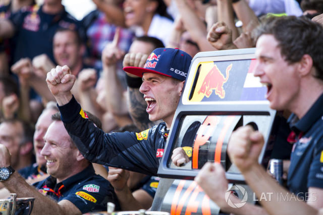 """Max Verstappen, Red Bull Racing, 1st Position, celebrates with his team <span class=""""copyright"""">Zak Mauger / Motorsport Images</span>"""