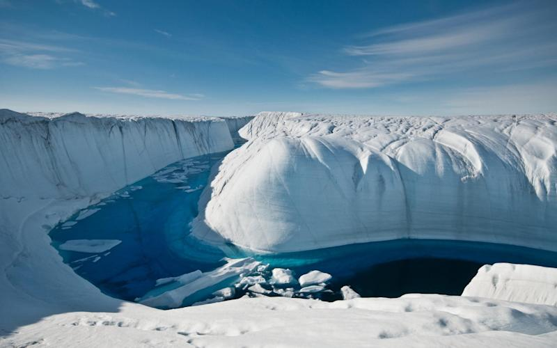 A meltwater canyon on the Greenland ice sheet - PA