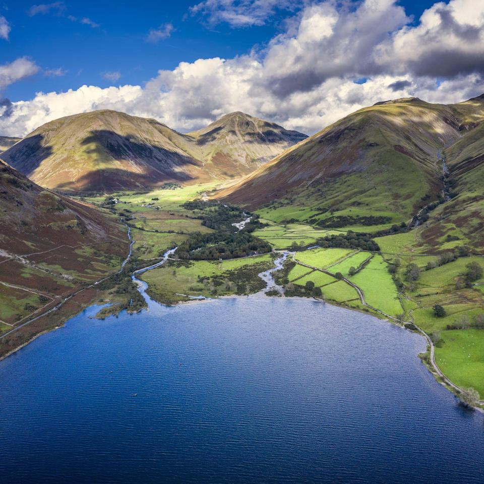 """<p>The UK is a beautiful island with many scenic views on offer, from ragged mountains to lulling shore lines and rolling fields. With Brits <a href=""""https://www.countryliving.com/uk/travel-ideas/staycation-uk/a29510524/uk-holiday-destinations/"""" rel=""""nofollow noopener"""" target=""""_blank"""" data-ylk=""""slk:embracing the staycation"""" class=""""link rapid-noclick-resp"""">embracing the staycation</a> this year, where are the best views in the UK? Luckily, while some do involve a fairly steep walk to the viewpoint, others are less <a href=""""https://www.countryliving.com/uk/travel-ideas/staycation-uk/a35921275/best-walking-holidays-uk/"""" rel=""""nofollow noopener"""" target=""""_blank"""" data-ylk=""""slk:tiresome on the feet"""" class=""""link rapid-noclick-resp"""">tiresome on the feet</a> but just as impressive on the eyes. Here are the 10 best viewpoints in the UK...</p>"""
