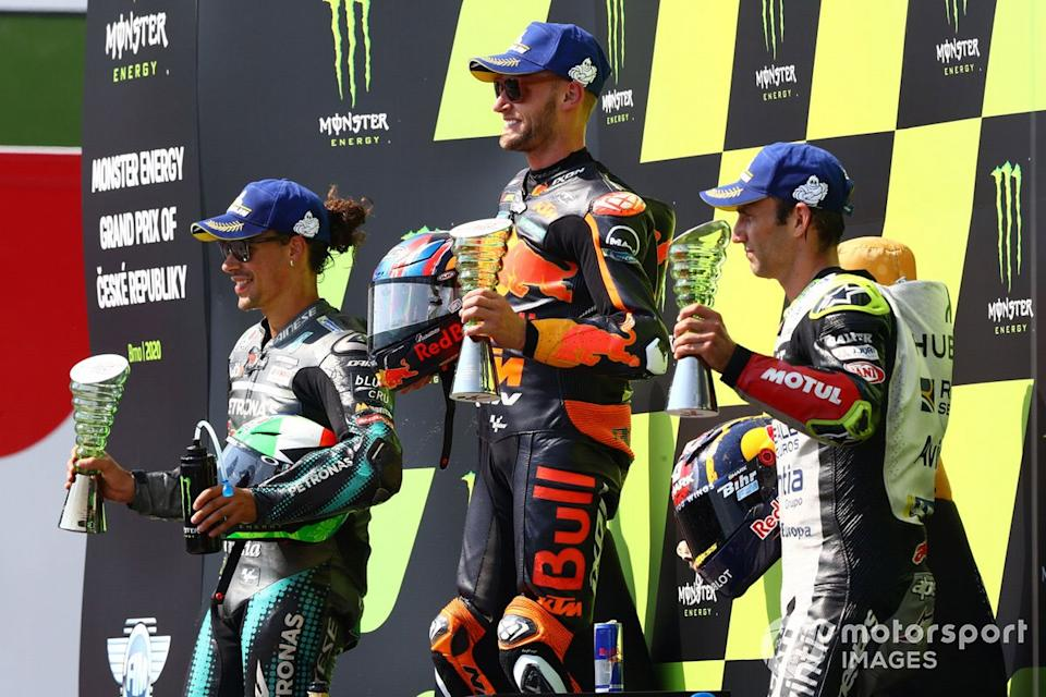 "Podio: 1º Brad Binder, Red Bull KTM Factory Racing, 2º Franco Morbidelli, Petronas Yamaha SRT, 3º Johann Zarco, Avintia Racing<span class=""copyright"">Gold and Goose / Motorsport Images</span>"