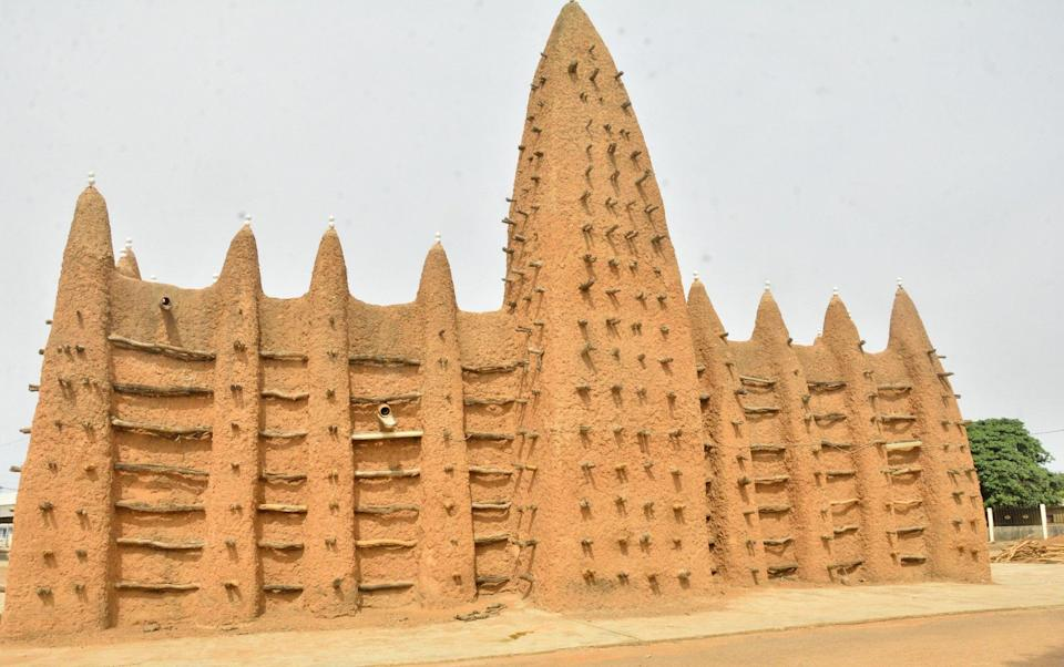 Sudanese style mosques in northern Côte d'Ivoire - OIPC