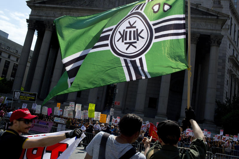 A Kekistan flag at an anti-Muslim rally in New York on June 10, 2017.  (Andrew Lichtenstein via Getty Images)