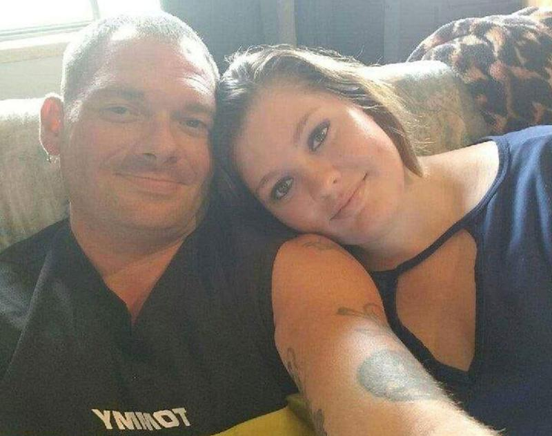 Samantha Kershner (right) rests her head on father Travis Fieldgrove's shoulder as he takes a selfie. Source: Facebook
