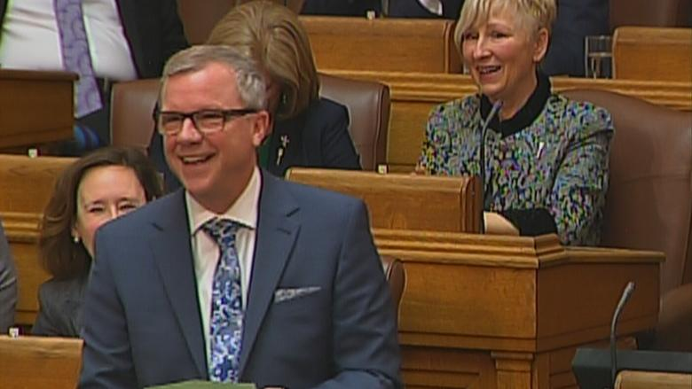 Saskatchewan MLAs pay tribute to Premier Brad Wall on final day in legislature