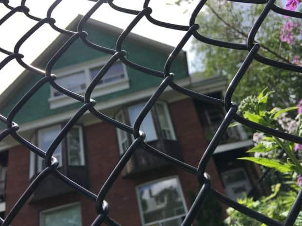A rooming house in Toronto's Parkdale neighbourhood. Toronto city council deferred a vote on a proposal Thursday that would have legalized rooming houses across the city. (John Rieti/CBC - image credit)