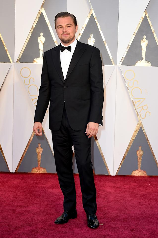 <p>A big night for Leonardo DiCaprio, he didn't really dress like a winner (see: Kevin Hart). But maybe sticking with a classic black tuxedo, something he's comfortable in, was a way for him to calm his nerves.<i><i>(Photo: Getty Images)</i></i></p>