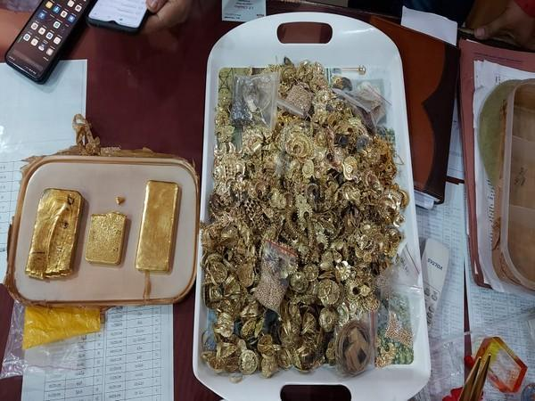 Visuals of gold seized by GRP officials(Photo/ANI)