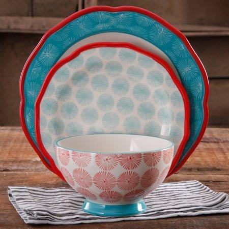 Pioneer Woman Scalloped 12-Piece Dinnerware Set (Photo: Walmart)