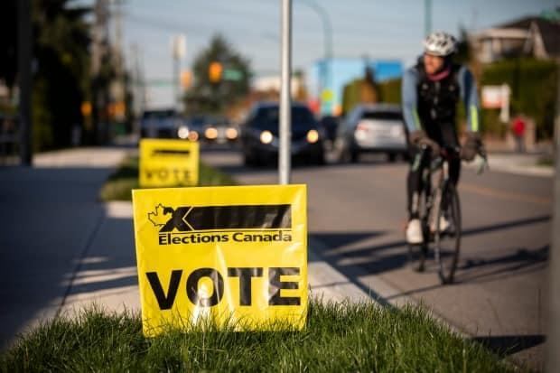 Advance federal election polls are open this weekend, Friday to Monday, from 9 a.m. to 9 p.m. Elections Canada advises people to know where their polling station is located because it may be different than in past years. (Ben Nelms/CBC - image credit)