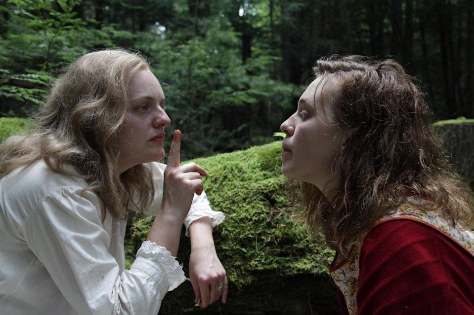 Elisabeth Moss and Odessa Young in Shirley ()