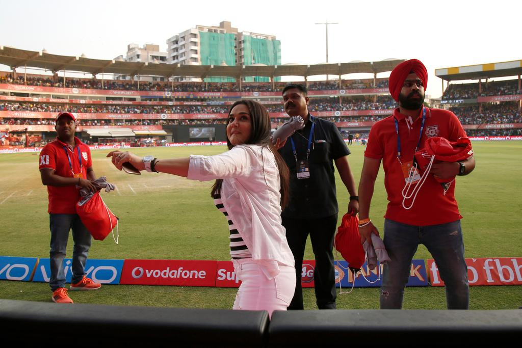 <p>Preity Zinta Kings XI Punjab owner during match 4 of the Vivo 2017 Indian Premier League between the Kings X1 Punjab and the rising Pune Supergiant held at the Holkar Cricket Stadium in Indore, India on the 8th April 2017<br />Photo by Deepak Malik – IPL – Sportzpics </p>