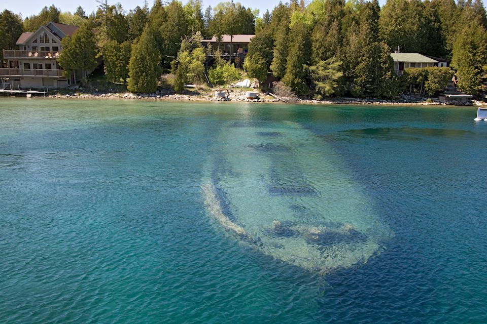tobermory boat under the water