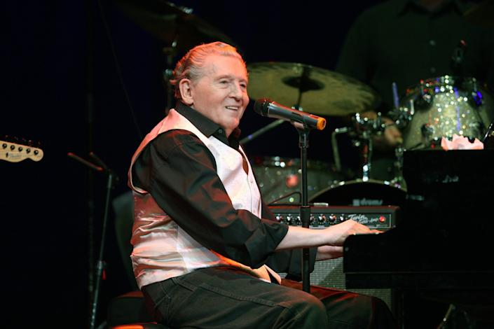 """Steve Bing met rock 'n' roll legend Jerry Lee Lewis, shown performing in Las Vegas, when he was a 15-year-old fan. The two developed a father-son relationship. <span class=""""copyright"""">(Kirk McKoy / Los Angeles Times)</span>"""