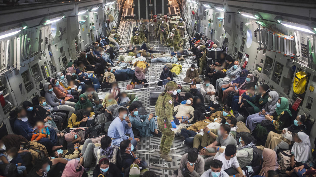 Australian citizens and Afghan evacuees
