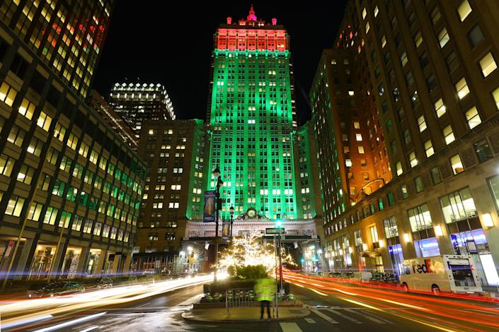 Christmas lights cover the trees on the Park Avenue mall in front of the Helmsley Building. (Photo: Gordon Donovan/Yahoo News)