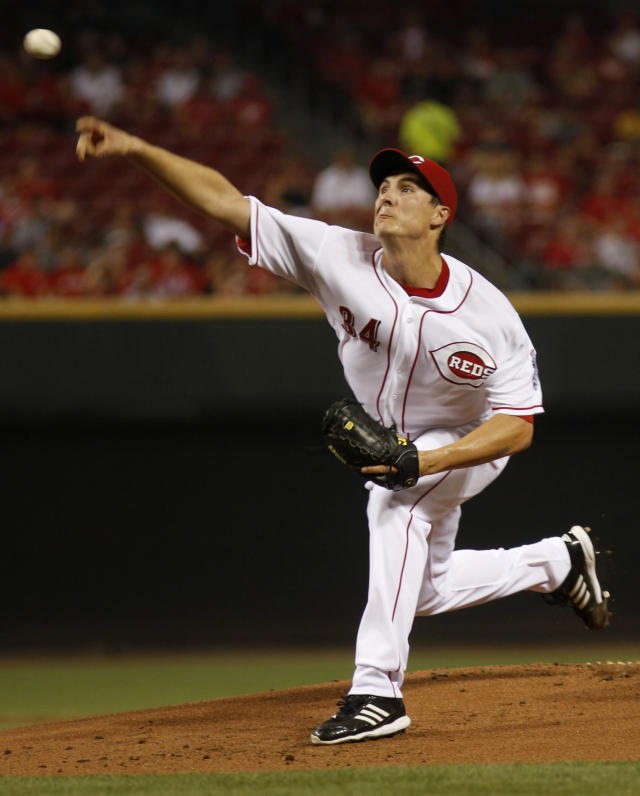 Cincinnati Reds starting pitcher Homer Bailey throws against the Los Angeles Dodgers in the first inning during a baseball game, Sunday, Sept. 8, 2013, in Cincinnati. (AP Photo/David Kohl)