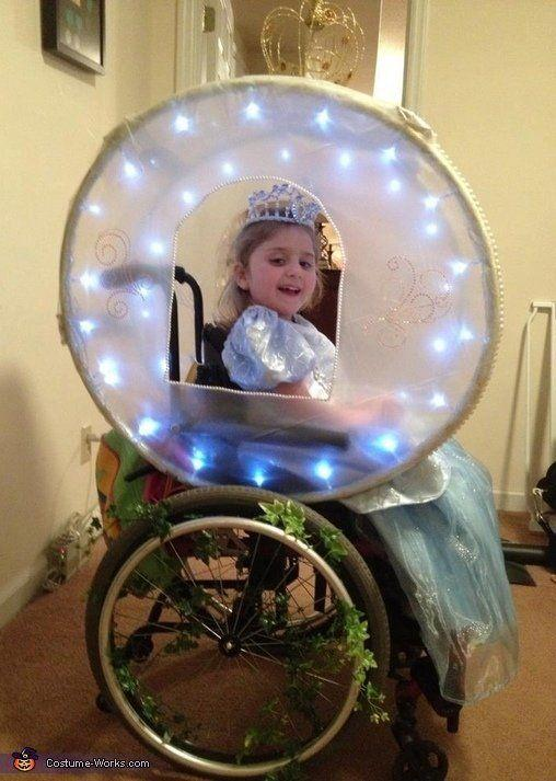 """<a href=""""http://www.costume-works.com/wheelchair_costumes/cinderella_and_her_enchanted_carriage.html"""" target=""""_blank"""">vía Costume Works </a>"""