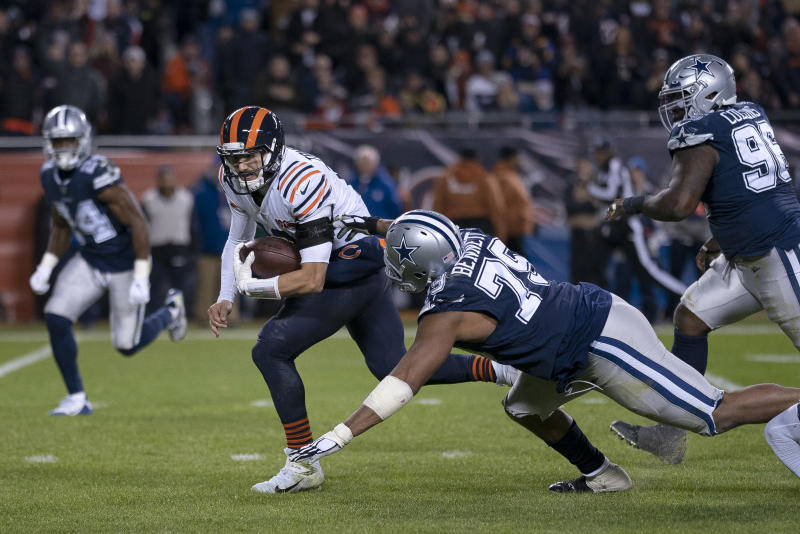 CHICAGO, IL - DECEMBER 05: Chicago Bears quarterback Mitchell Trubisky (10) beats Dallas Cowboys defensive end Michael Bennett (79) to score a touchdown in game action during a NFL game between the Chicago Bears and the Dallas Cowboys on December 05, 2019 in Soldier Field in Chicago, IL. (Photo by Robin Alam/Icon Sportswire via Getty Images)